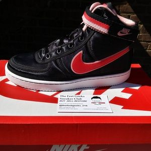 NIKE VANDAL HIGH VALENTINE'S DAY SIZE 5Y GS